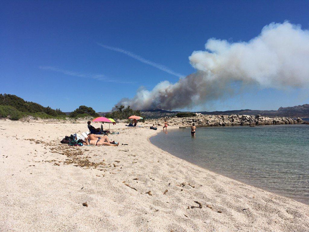 Corse : Enorme incendie à Bonifacio (17-07-2017) Photo Twitter